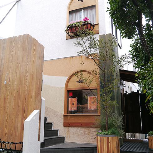 カフエマメヒコ三軒茶屋店の事例です。
