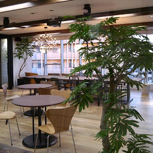 壁面緑化のあるオフィス事例です。